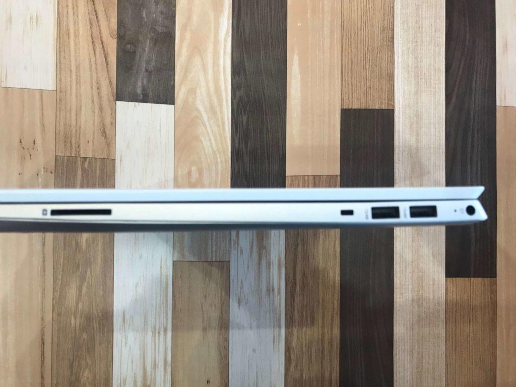 HP Pavilion 15-cs3000_インターフェース右側面