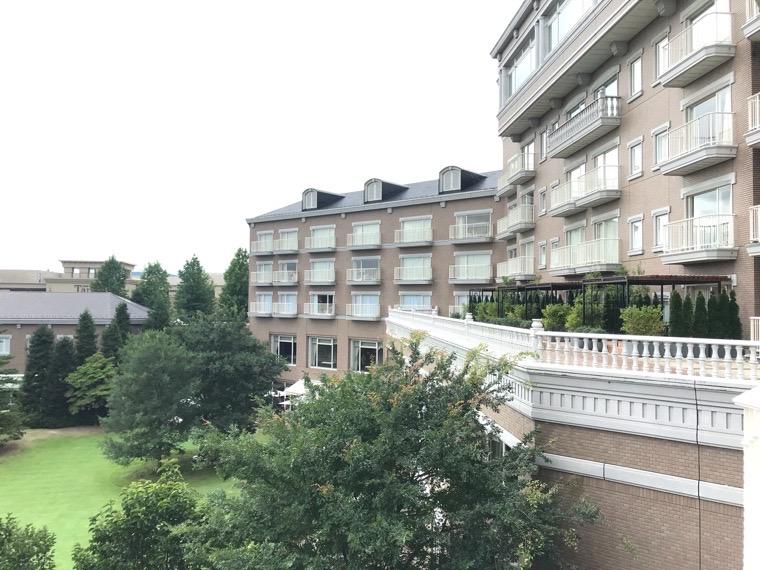 仙台ロイヤルパークホテル客室「ラグジュアリーツイン」ガーデンサイド_部屋からの眺め_庭園2