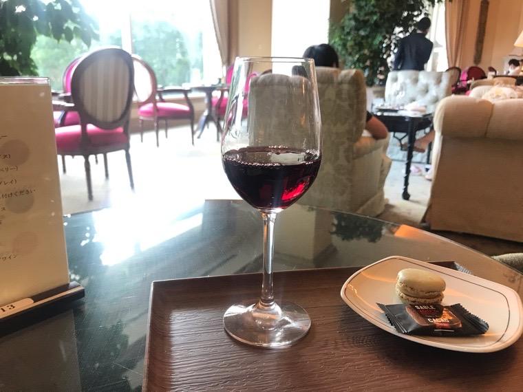仙台ロイヤルパークホテル宿泊者ラウンジ「フォンテーヌ」ハッピーアワー_赤ワイン