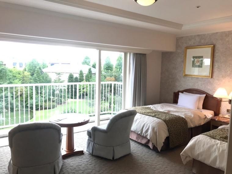 仙台ロイヤルパークホテル客室「ラグジュアリーツイン」ガーデンサイド_部屋全体1