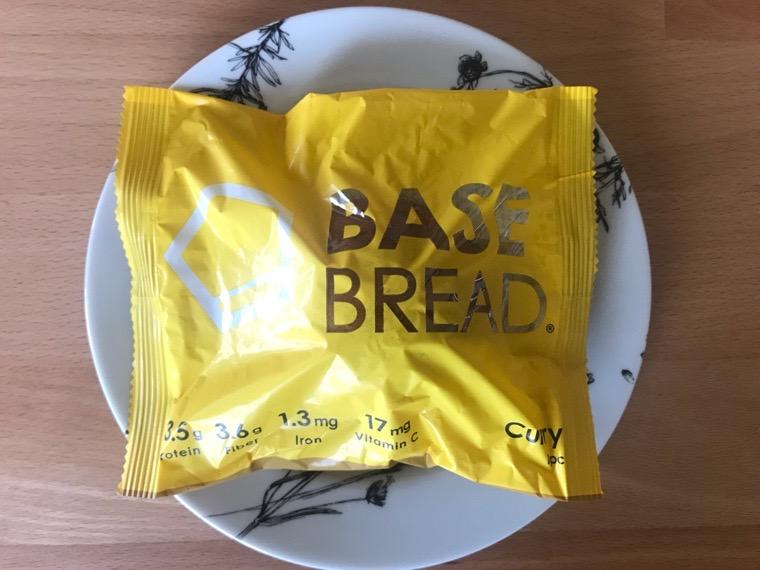 完全食BASE BREAD(ベースブレッド)_カレー_包装