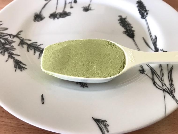完全食uFit(ユーフィット)_uFit完全栄養食の飲み方・味_水と混ぜる_専用スプーンすりきり一杯